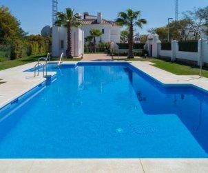 Villa   Marbella para 4 personas con piscina comunitaria p2