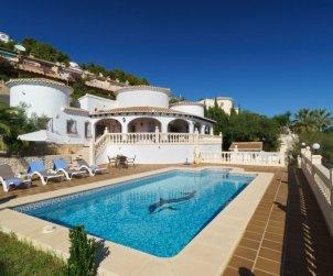 Villa   Moraira para 9 personas con piscina privada p0