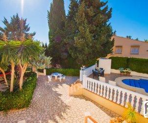 Villa   en Calpe para 6 personas con piscina privada, aere acondicionado y internet p1