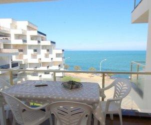 Apartamento  en L'Escala  para 6 personas con piscina compartida y vistas al mar  p0