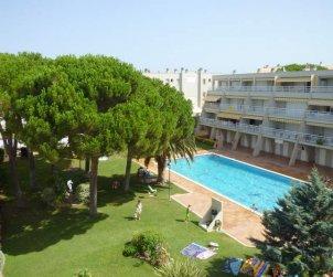 Apartamento  en L'Escala  para 7 personas con piscina compartida y TV  p0