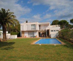 Villa   en Ametlla de Mar para 12 personas con pequeña vista al mar e internet p1