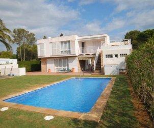 Villa   en Ametlla de Mar para 12 personas con pequeña vista al mar e internet p0