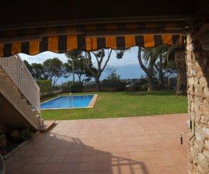 Villa   en Ametlla de Mar para 12 personas con pequeña vista al mar e internet p2