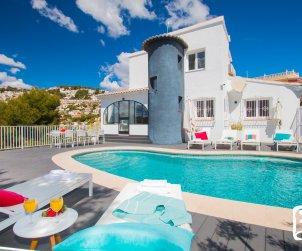 Villa  en Moraira  para 8 personas con piscina privada, vistas al mar y aire acondicionado  p0