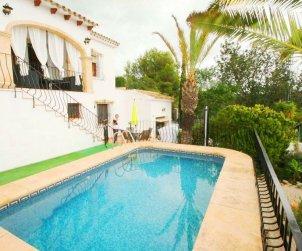 Villa  en Benissa  para 4 personas con piscina privada y aere acondicionado  p0