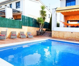 Villa   Palamos para 8 personas con piscina privada p1