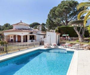 Villa   Calonge - Sant Antoni de Calonge para 8 personas con piscina privada p0