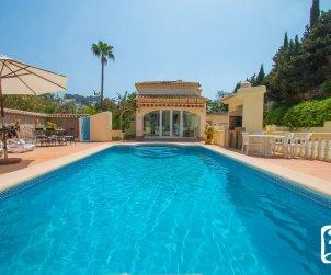 Villa  en Moraira  para 6 personas con piscina privada, aire acondicionado y cerca del mar  p0