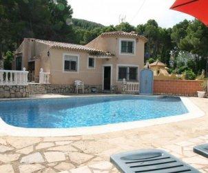 Villa  en Denia  para 6 personas con piscina privada  p0