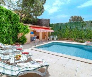 Villa   Tamariu para 6 personas con piscina privada p0