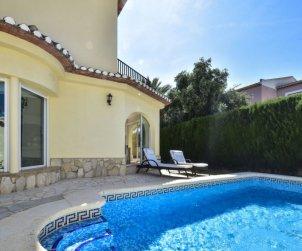 Villa   Denia para 8 personas con piscina privada p2