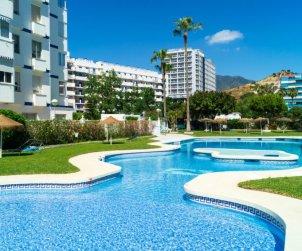 Apartamento   Benalmadena para 5 personas con piscina comunitaria p0