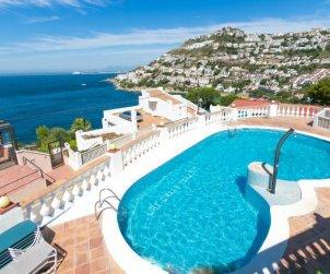 Villa   Rosas para 4 personas con piscina comunitaria p0