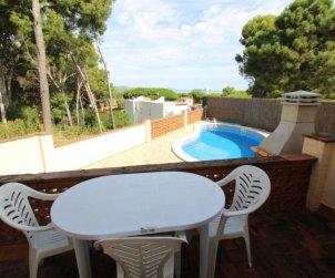 Apartamento   Pals para 8 personas con piscina privada p1