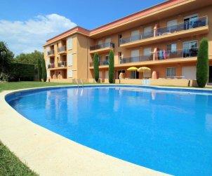 Apartamento  en l'Escala  para 6 personas con piscina comunitaria y parking privado  p1