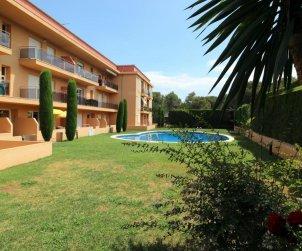 Apartamento  en l'Escala  para 6 personas con piscina comunitaria y parking privado  p2