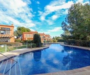 Apartamento   Miami Platja para 6 personas con piscina comunitaria p0
