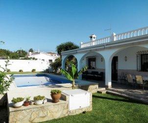 Apartamento   Nerja para 6 personas con piscina privada p0
