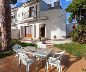 Villa   L'Escala para 6 personas con lavadora p0