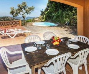 Villa   Begur para 6 personas con piscina privada p1