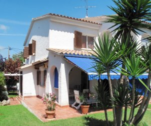 Villa   Roda de Barà para 6 personas con piscina privada p1