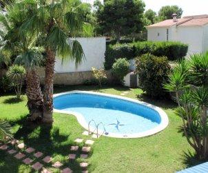 Villa   Roda de Barà para 6 personas con piscina privada p2