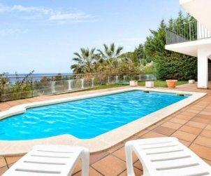 Villa  en Lloret del Mar  para 10 personas con piscina privada, aere acondicionado y vista mar  p0