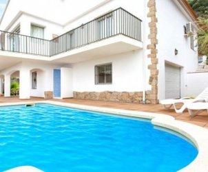 Villa  en Lloret del Mar  para 10 personas con piscina privada, aere acondicionado y vista mar  p1