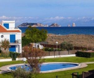 Apartamento   Torroella de Montgri para 6 personas con piscina comunitaria p0