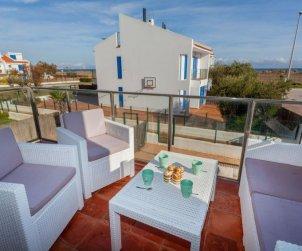 Apartamento   Torroella de Montgri para 6 personas con piscina comunitaria p1