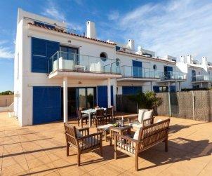 Apartamento   Torroella de Montgri para 6 personas con piscina comunitaria p2