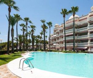 Apartamento  en Alcoceber  para 6 personas con piscina compartida, vista mar y aire acondicionado  p1