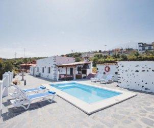 Villa   Icod de los Vinos para 4 personas con piscina privada p0
