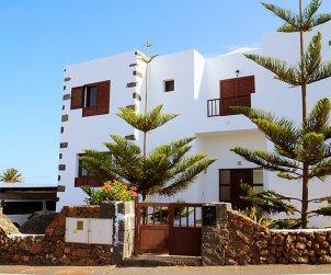 Villa   Tinajo para 6 personas con piscina privada p1