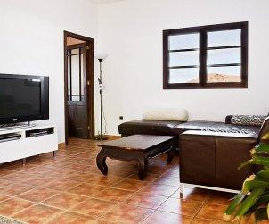 Villa   Tinajo para 6 personas con piscina privada p2