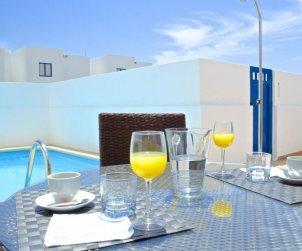 Villa   Playa Blanca para 2 personas con piscina privada p1