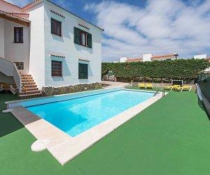 Apartamento   Arenal d'en Castell para 4 personas con piscina comunitaria p1