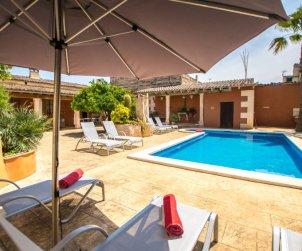 Villa   María de la Salut para 10 personas con piscina privada p0