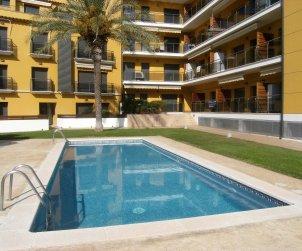 Apartamento   L'Estartit para 6 personas con piscina comunitaria p0