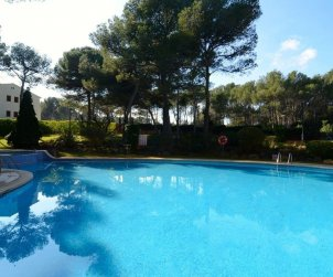 Apartamento   Pals para 6 personas con piscina comunitaria p1