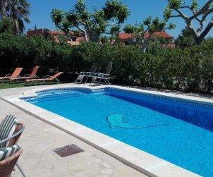 Villa    Miami Platja para 8 personas con piscina privada y A/C p2