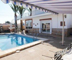 Villa  en Ametlla de Mar  para 6 personas con piscina privada e internet  p1