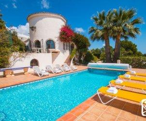 Villa  en Benissa  para 10 personas con piscina cubierta privada, solarium y hermosa vista mar  p1