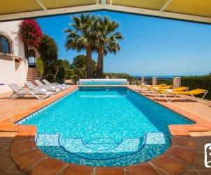 Villa  en Benissa  para 10 personas con piscina cubierta privada, solarium y hermosa vista mar  p2