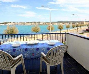 Apartamento  en l'Escala  para 6 personas con piscina comunitaria, vista mar y parking p0