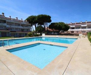 Apartamento  en L'Escala  para 4 personas con piscina comunitaria, aire acondicionado y cerca del mar  p0