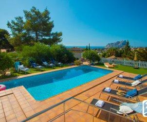 Villa   Benissa para 8 personas con piscina privada, vista mar y aere acondicionado p0
