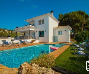 Villa   Benissa para 8 personas con piscina privada, vista mar y aere acondicionado p1