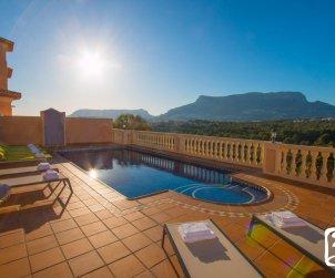Villa  en Calpe  para 8 personas con piscina privada, vista mar y aire acondicionado  p0